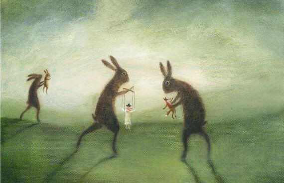 Gigantyczne króliki z ludźmi marionetkami.