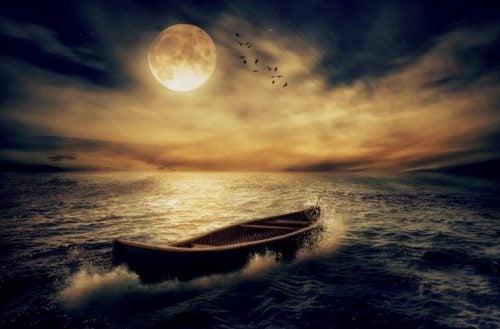 Łódka nocą - księżyc w pełni