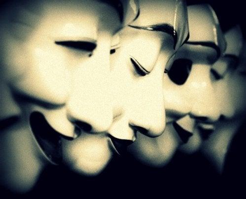 Maski kłamstwa