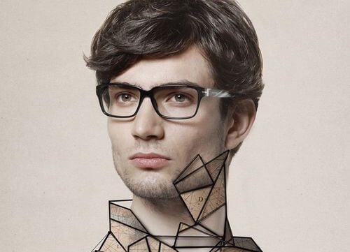 Osoby asertywne - mężczyzna w okularach.