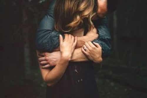 Miłość powinna przychodzić, kiedy jesteś gotowy, a nie samotny