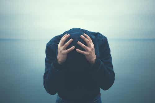 Uczucie niepokoju - 5 nawyków osób, które na nie cierpią