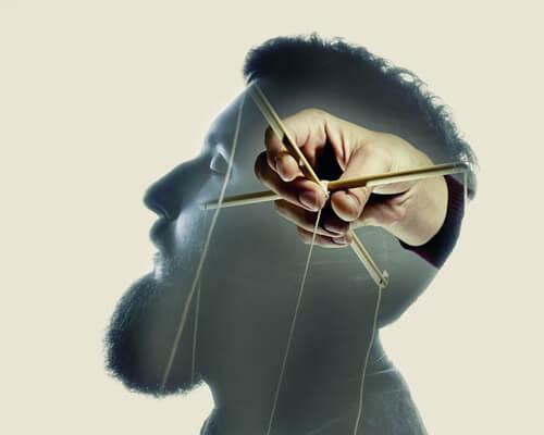 Kłamstwo to manipulowanie umysłem