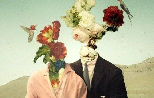 Ludzie z kwiatami zamiast głów.
