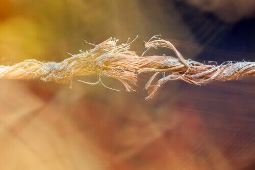 Rozstanie - rozerwana lina