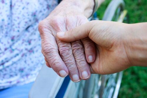 Opieka nadstarszymi osobami –niełatwe zadanie