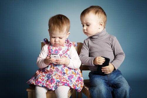 Telefon komórkowy – 3 dobre powody, by nie dawać go dzieciom