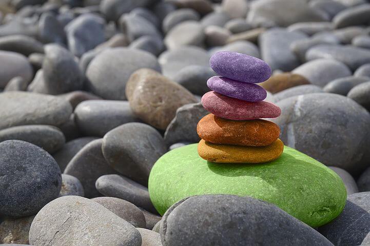 kolorowe kamienie