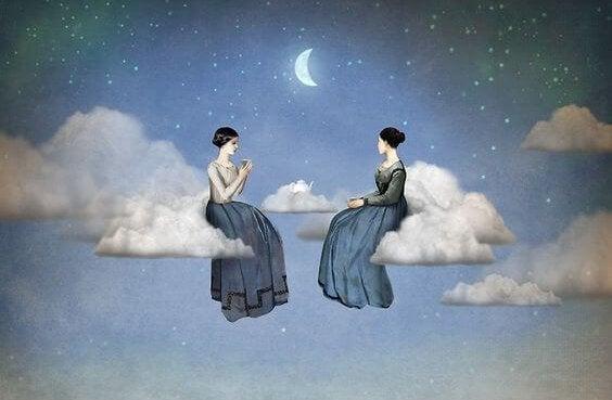 Kobiety siedzą na chmurze - pomoc przyjaciela