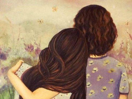 Przyjaciele przytulają się