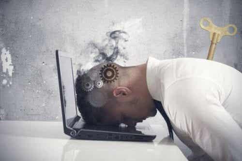 Syndrom wypalenia zawodowego: kiedy się przepracowujesz