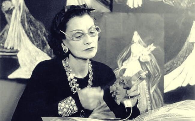 Coco Chanel pracujaca