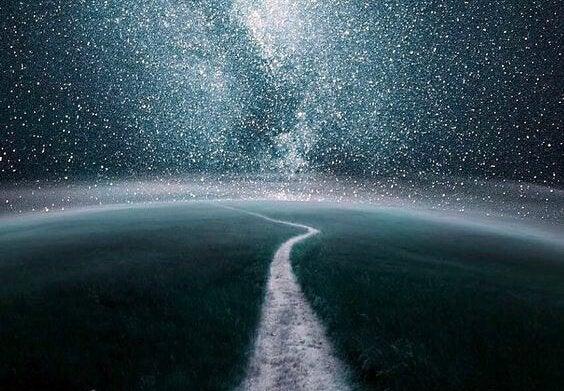 Droga - rozgwieżdżone niebo