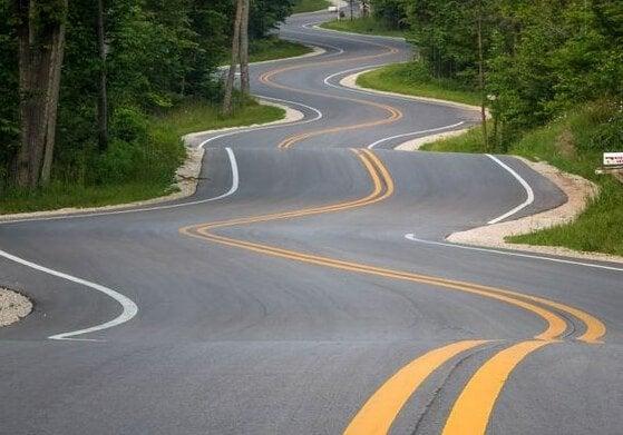 Kręta droga - podążaj naprzód
