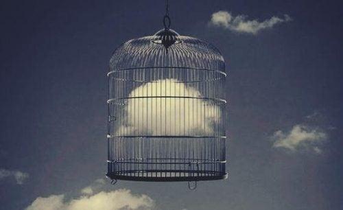Emocje jak chmura w klatce