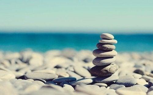 Przypowieść o kamieniach – jak radzić sobie z naszymi problemami?