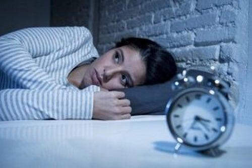 Noc karmi nasze zmartwienia, choć to czas odpoczynku