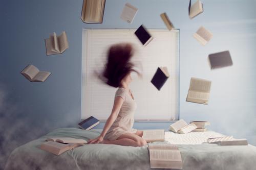 Czytanie w łóżku - podnoszenie jakości snu