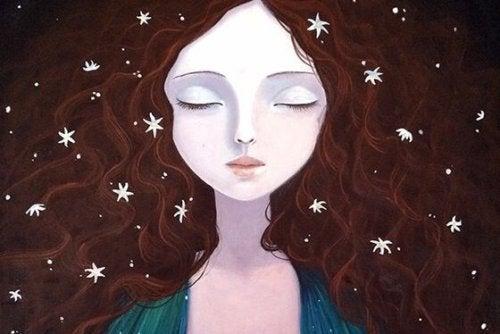 Dziewczyna z gwiazdkami we włosach.