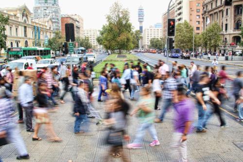 Jak zapobiegać nawrotom problemów lękowych - duże miasto