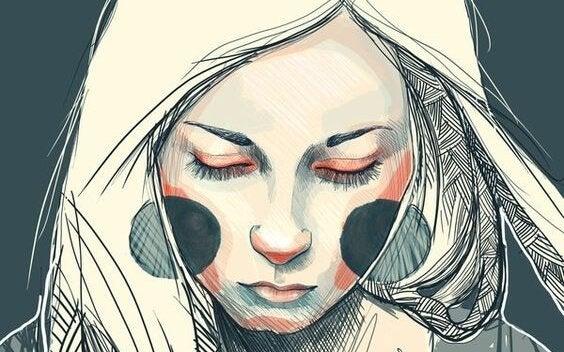 kobieta z ciemnymi policzkami