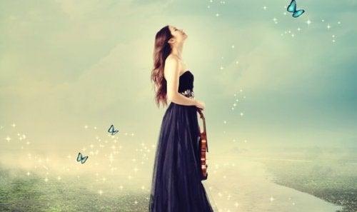 Kobieta ze skrzypcami
