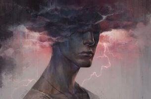 Mężczyzna i ciemne chmury