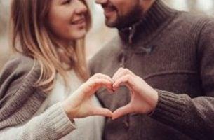 Para i serce z dłoni