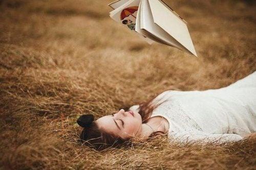 Nerwica niedzielna – współczesny strach przed wolnym czasem