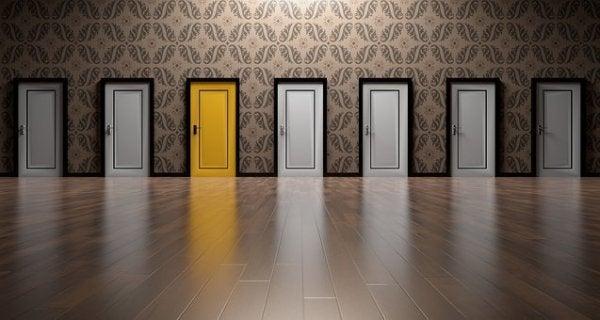 Obawa przed podjęciem decyzji - wiele drzwi