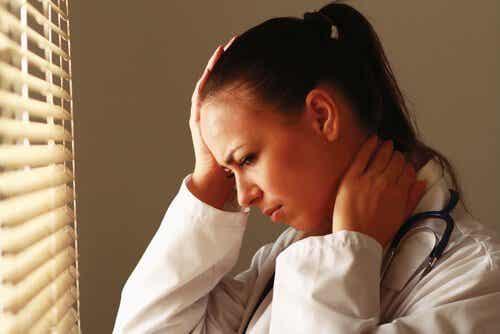 Pracownicy służby zdrowia - tak bardzo zmęczeni współczuciem