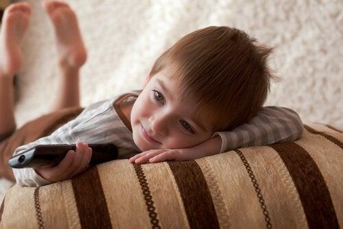 Filmy – dlaczego dzieci mogą oglądać w kółko te same?