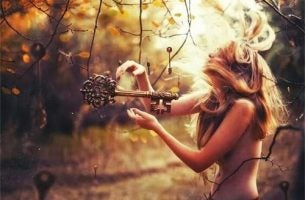 Kobieta i klucze - dbanie o siebie