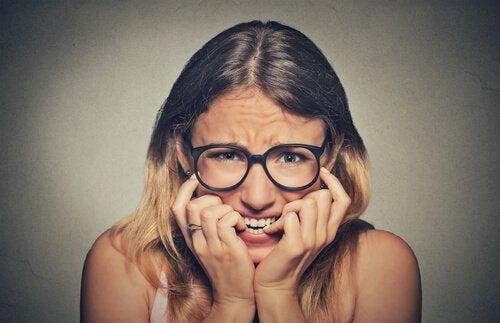 Obgryzanie paznokci - 7 porad, jak zlikwidować ten nawyk
