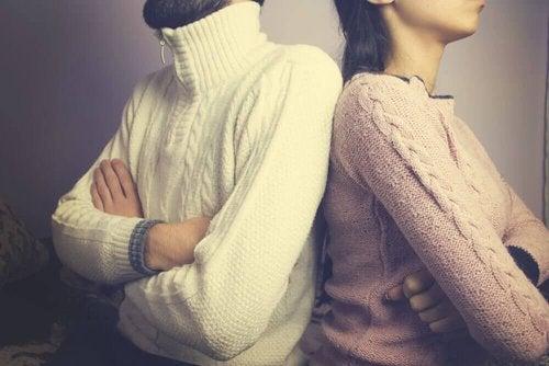 Obrażona na siebie para - relacje interpersonalne