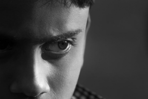 Osobowość dyssocjalna - zamyślony nastolatek