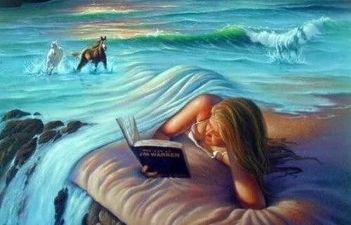 Dziewczyna czyta książkę w chmurach