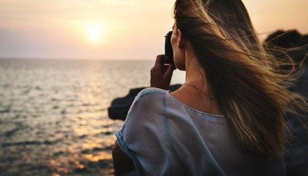 Dziewczyna nad morzem.