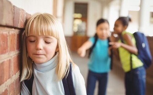 Ofiara bullyingu – w jaki sposób poznać, że jest nią Twoje dziecko?