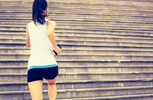 Jak zacząć regularnie ćwiczyć: 5 wskazówek