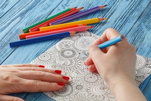 Kolorowanie mandali - jakie korzyści przynosi?