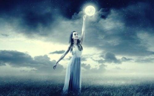 Księżyc – neurobiolog Mark Filippiuważa, że naprawdę wpływa na nasze emocje