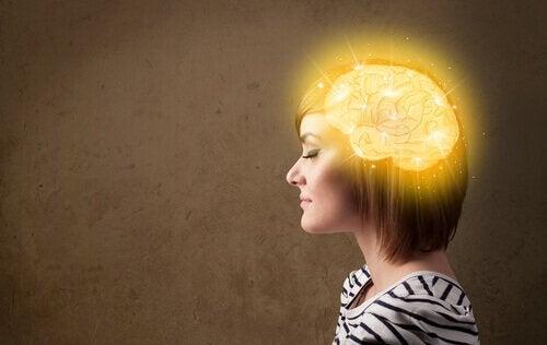 Kobieta i jej mózg.