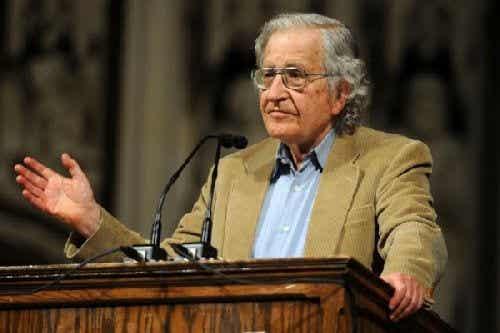 Noam Chomsky to ktoś, o kim moja rodzina nigdy nie słyszała