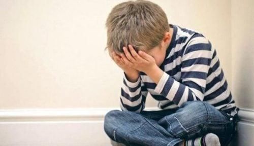 Dziecięca trauma, która predysponuje ludzi do wpadnięcia w psychozę