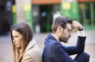 Sprzeczki z partnerem - pokłócona para