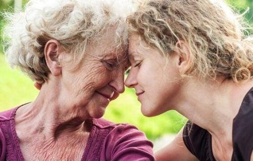 Starsze osoby - jak pomóc im w zmniejszeniu odczuwanego smutku