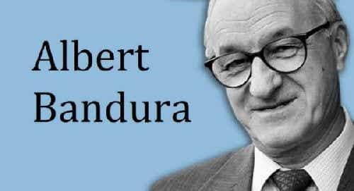 Albert Bandura i jego ciekawa teoria społecznego uczenia się