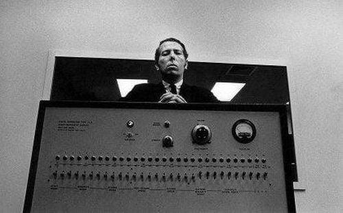 Eksperyment Milgrama - rażenie prądem