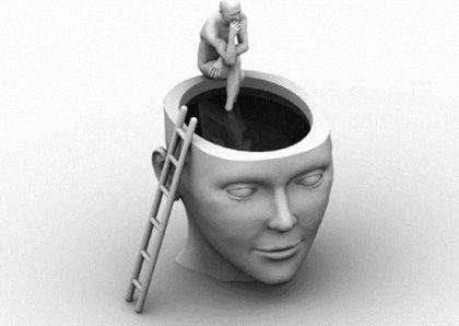 Głowa człowieka z otworem